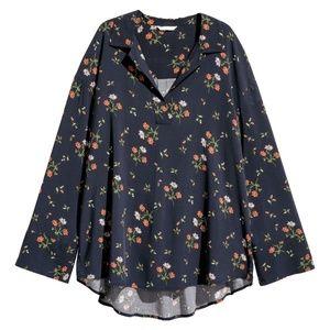 H&M Navy Blue Floral V Neck Collar Blouse Size XS